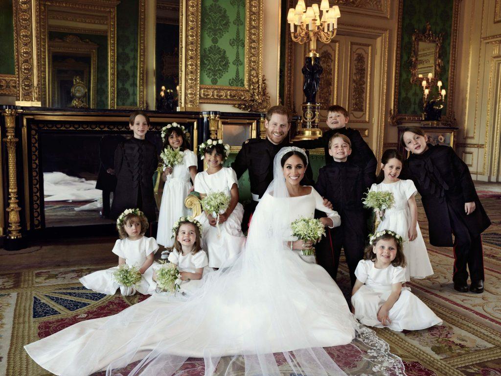 Paleis deelt drie prachtige foto s van huwelijk harry en